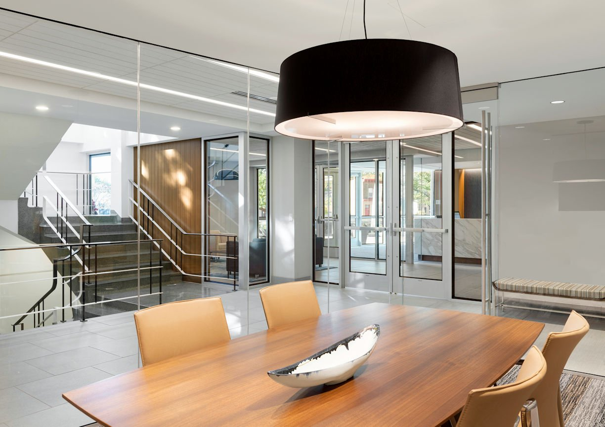 HUBBARD BROADCASTING meeting room by InUnison Design